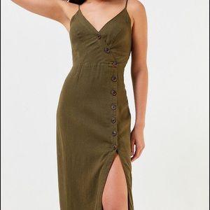 Urban Outfitters Amber Linen Dress. Size Medium